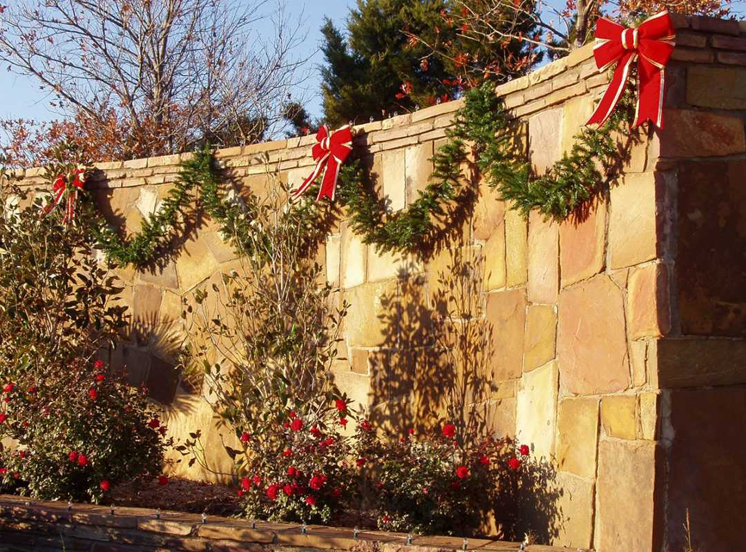 holiday lights, holiday lighting, holiday decor, christmas exterior lights, landscape lighting