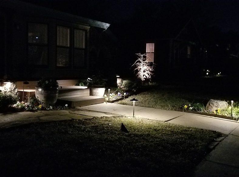 landscape lighting, landscape lights, yard lights, landscaping