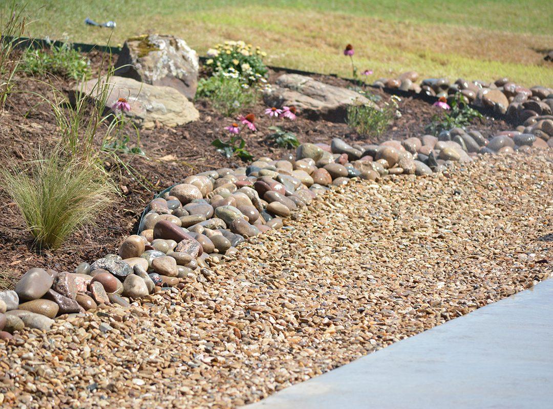 stonework, hardscape, stone in landscaping, stone patios, stone walkways, gravel, drainage